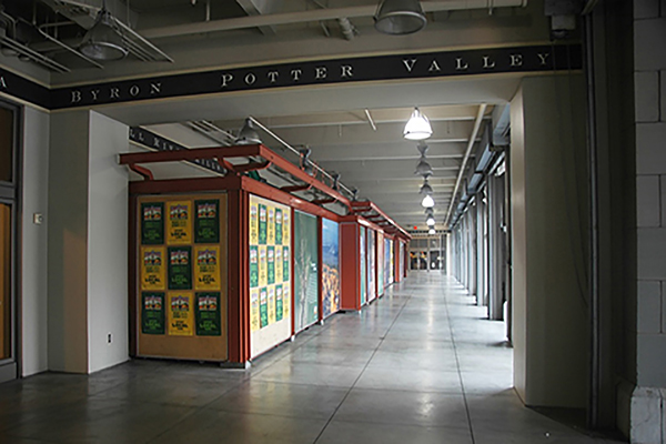 Ferry Building kiosks prior to renovation